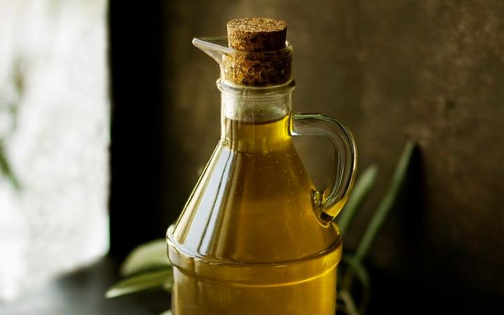 Olive-oil-made-in-croatia